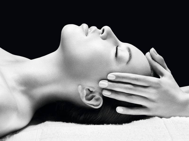 mannequin-massage-crane