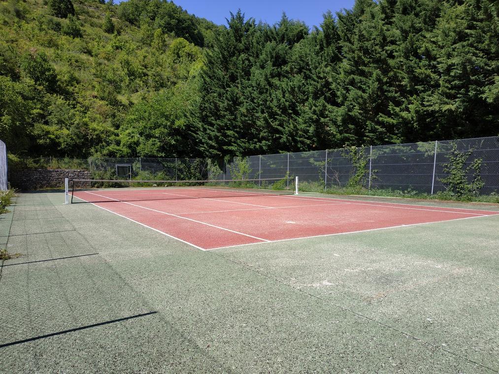 terrain de tennis la canourgue