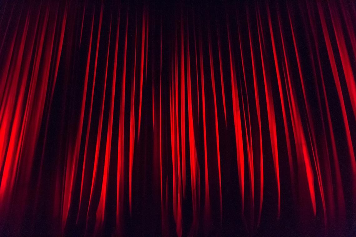 stage-curtain-660078-1280