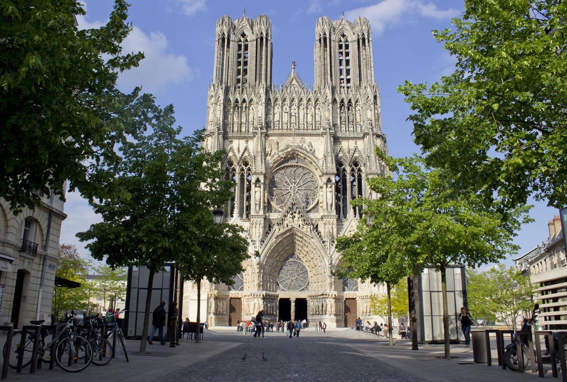 Cathedrale--c--Carmen-Moya-Office-de-Tourisme-du-Grand-Reims--49--min-2
