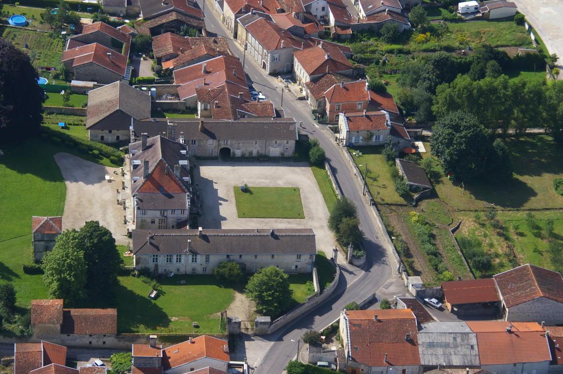 2-chateau-de-Bienville