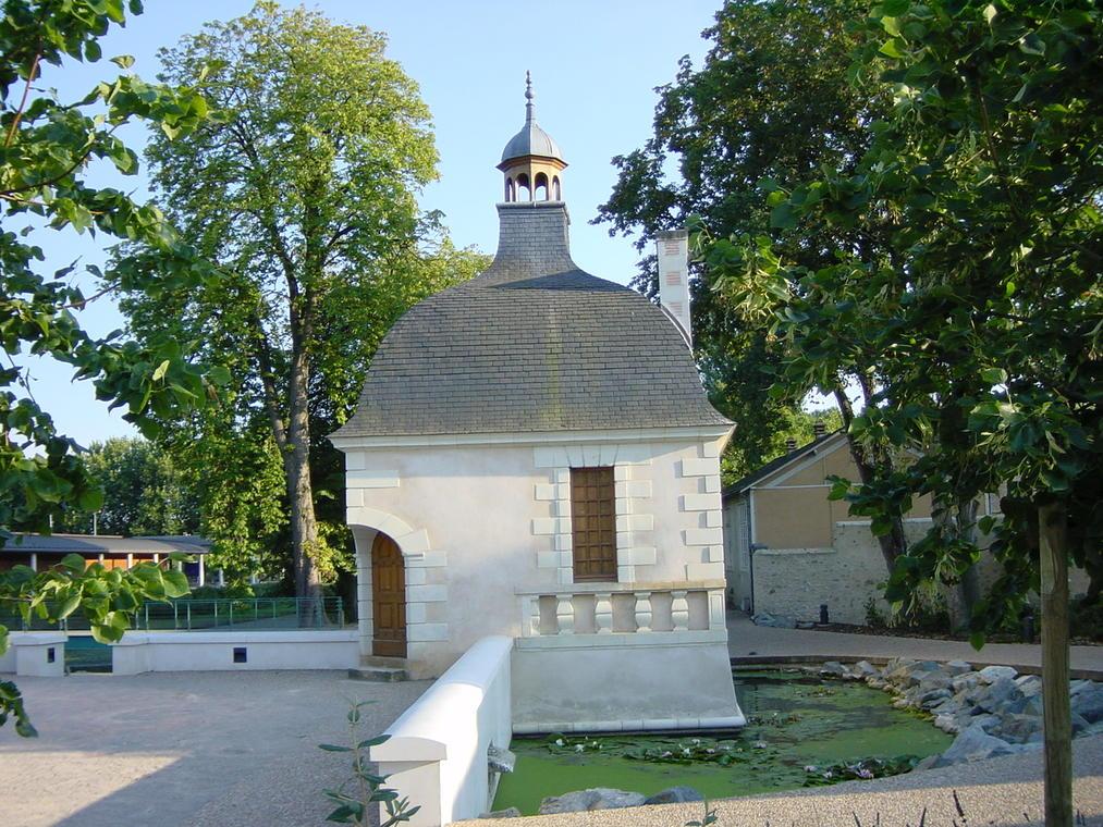 Pavillon Fouquet-La Flèche-août03-1