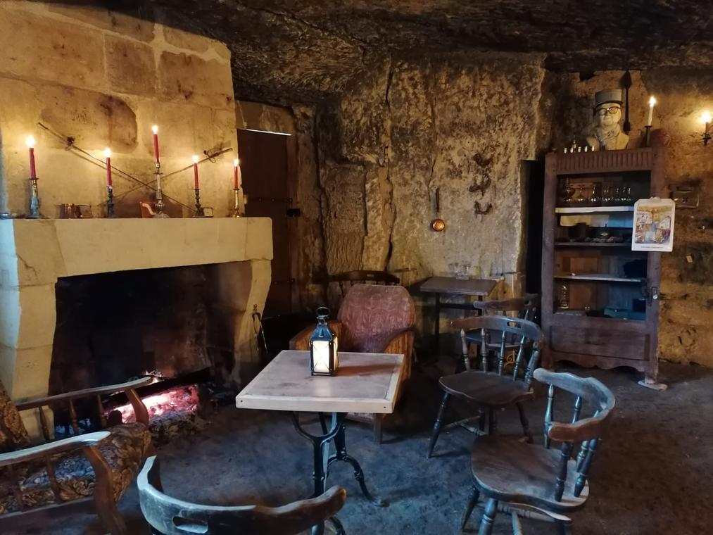 cave de abbaye de la clarte dieu_St Paterne Racan