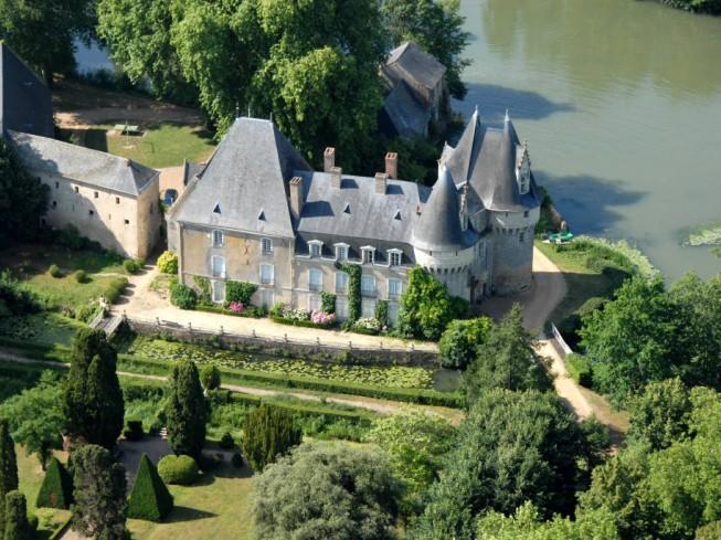 chateau Bazouges