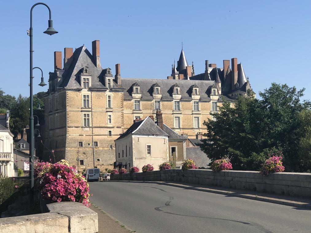 11 Durtal_château_cr OTALS