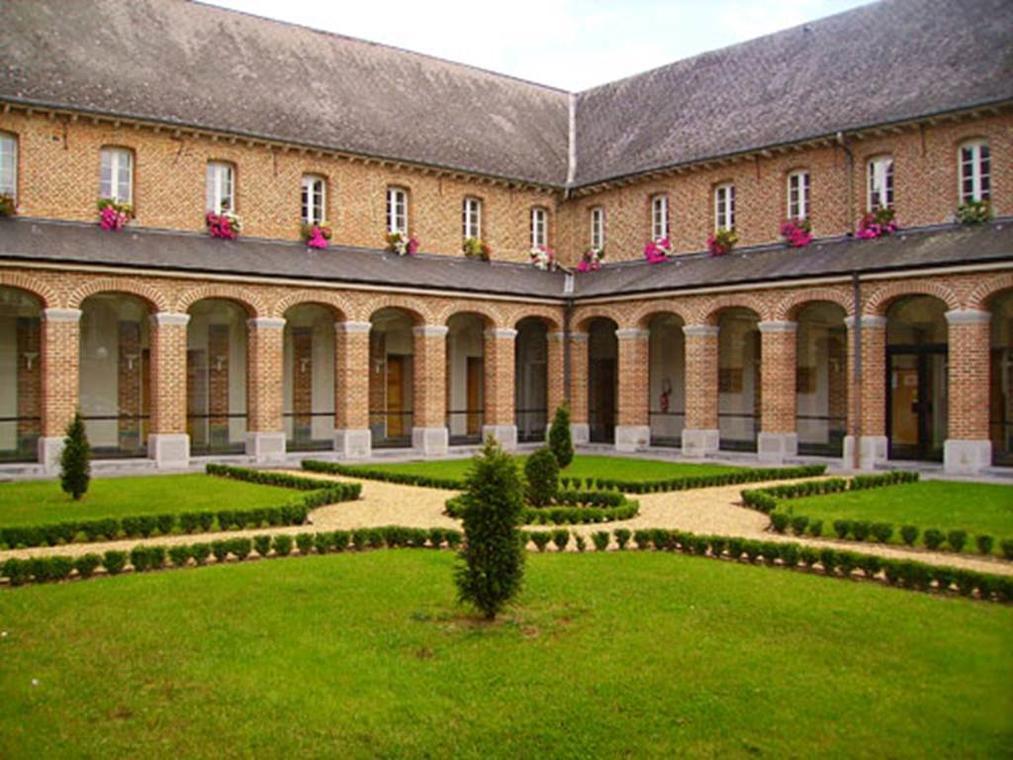 """Centre culturel """"Pierre Tassin"""""""