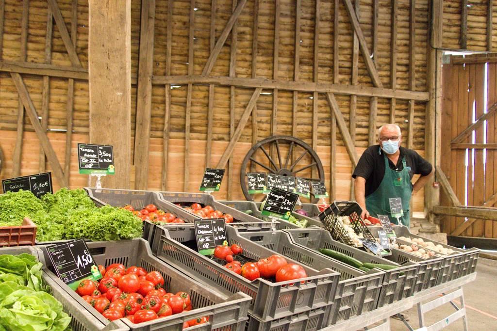 Marché de producteurs de pays au relais de poste aux Chevaux