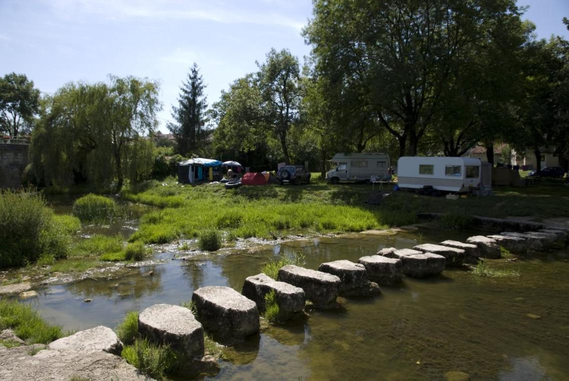 Camping_Municipal_Simandre_sur_Sura