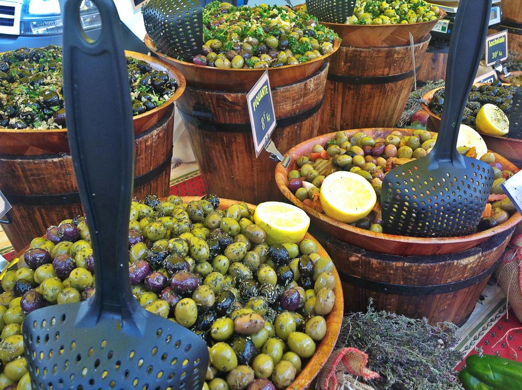 Marché provençal Olives Cavalaire