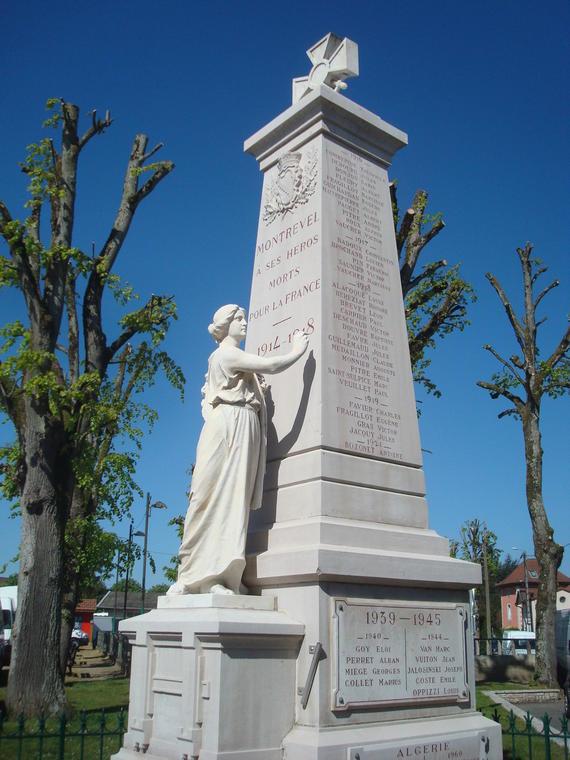 Monument aux morts - Montrevel-en-Bresse