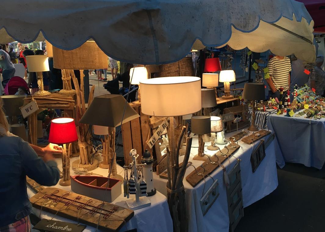 Le marché artisanal nocturne de Châtelaillon-Plage