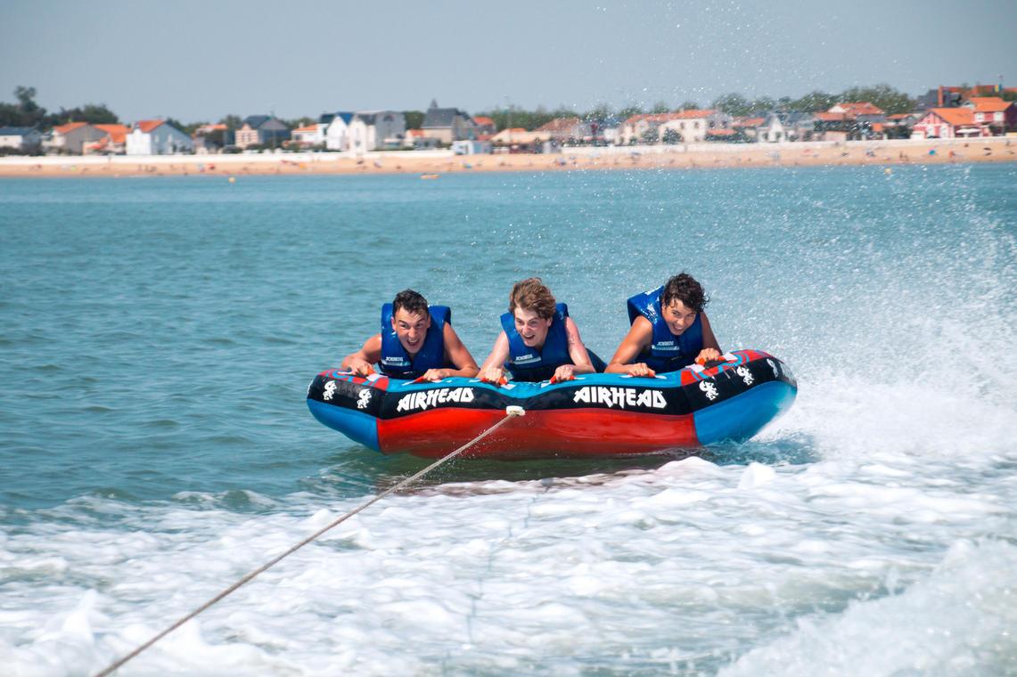 Bouée tractée de l'école de kite surf de Châtelaillon-Plage