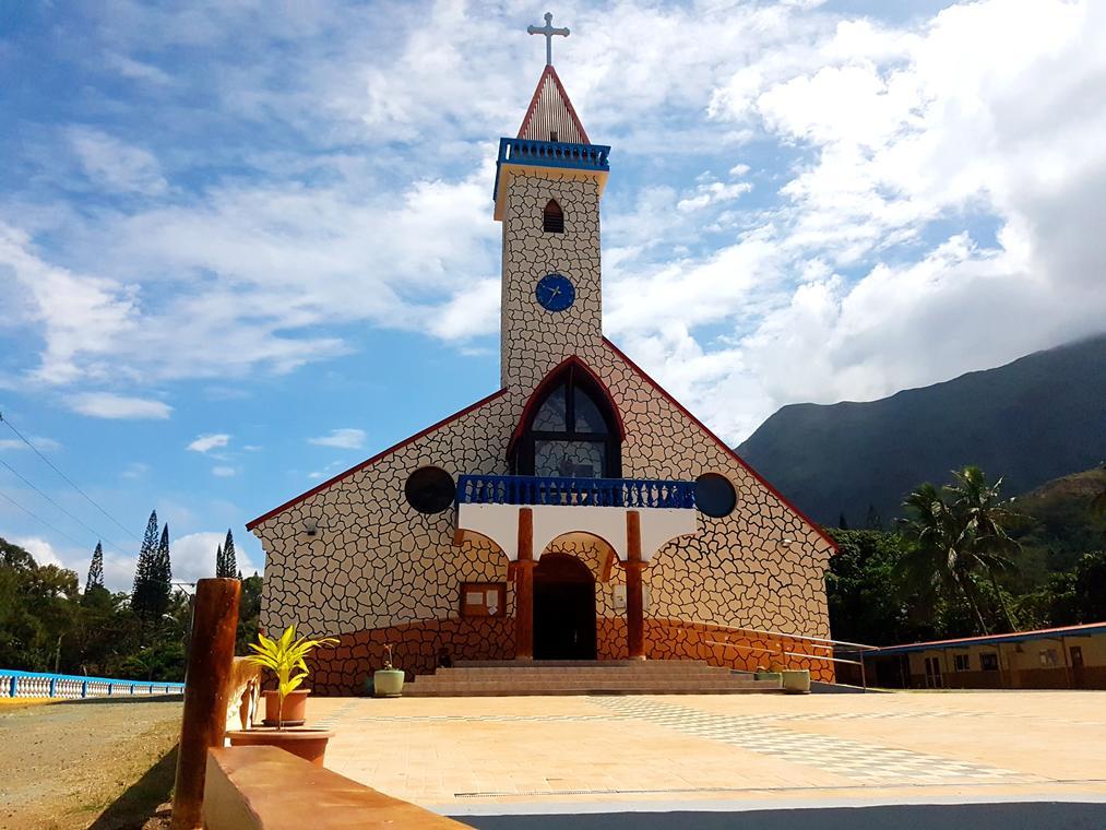 Eglise Sainte Thérèse au Vallon Dore