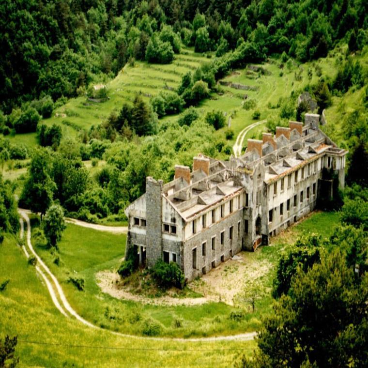 Caserne du Col de Brouis