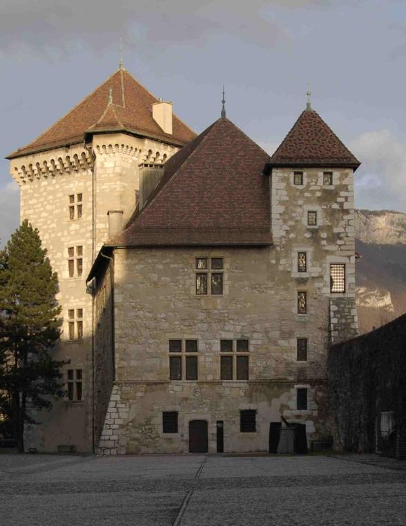 Tour et logis Perrière du château d'Annecy