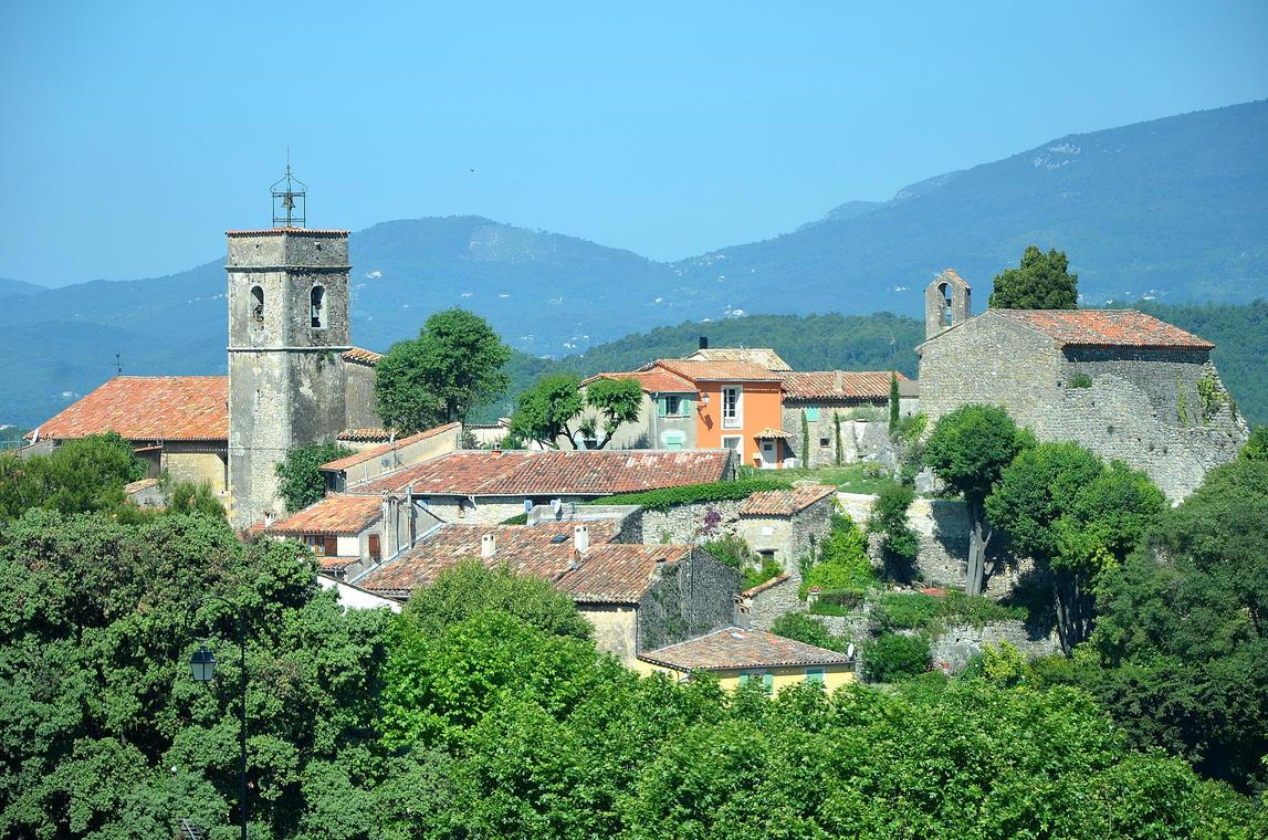 village de Monauroux