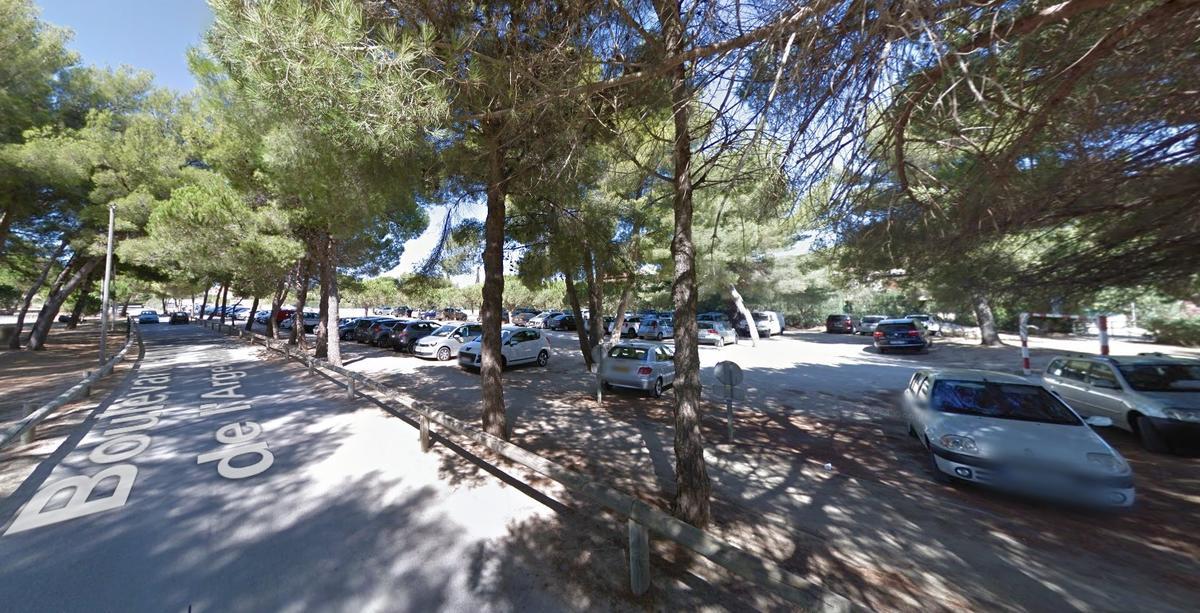 Parking de la plage de l'Argentière à La Londe les Maures