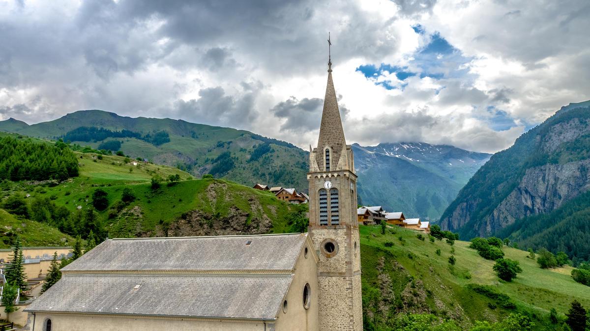 Eglise Saint-Laurent Orcières village