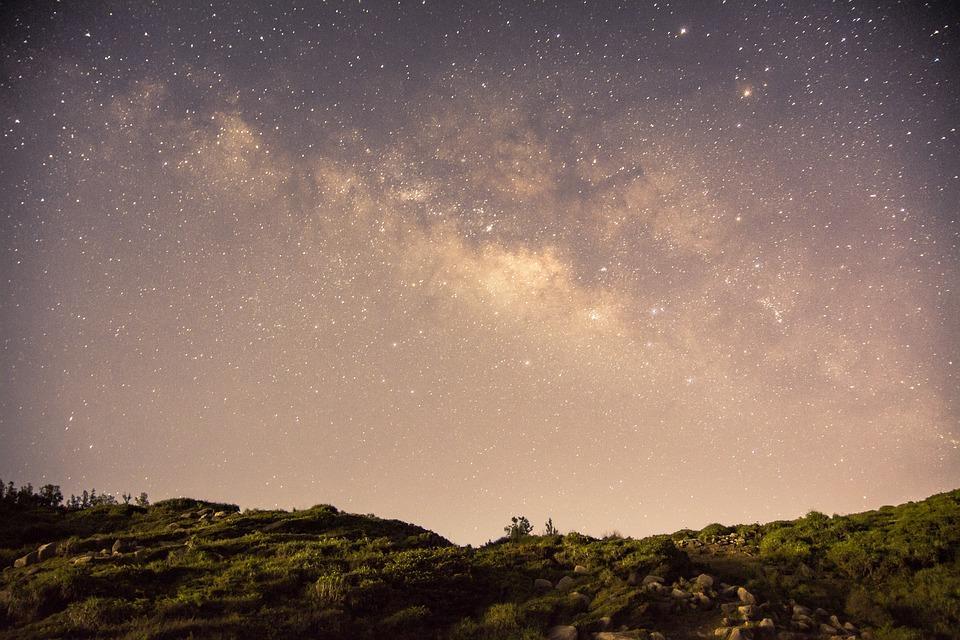 Montagne et étoiles