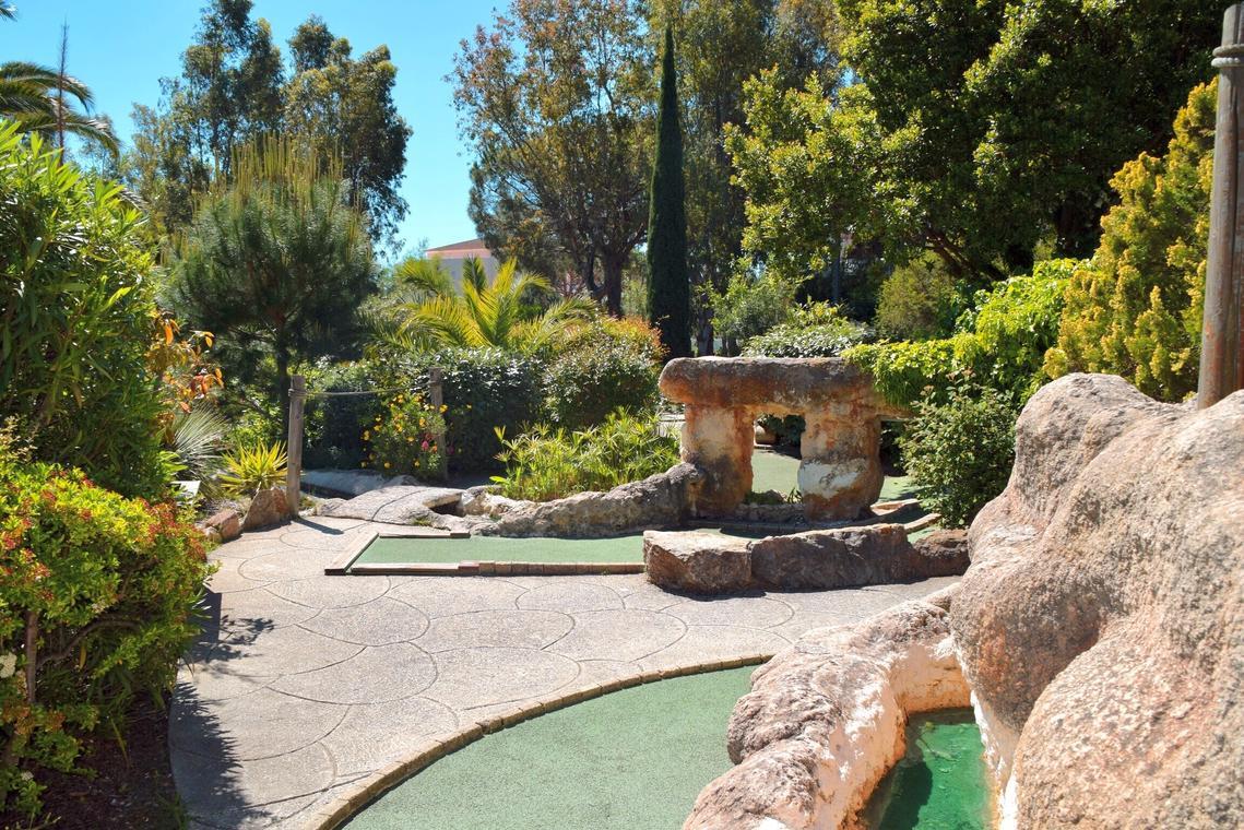 Mini-Golf Exotique