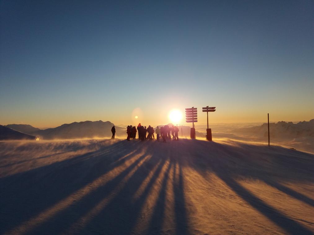 Ski au coucher du soleil