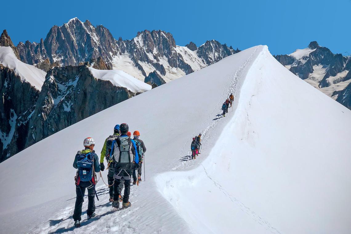 Cordée en haute montagne
