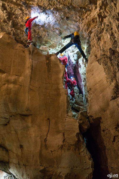 Acrospéléologie - St Christophe la Grotte