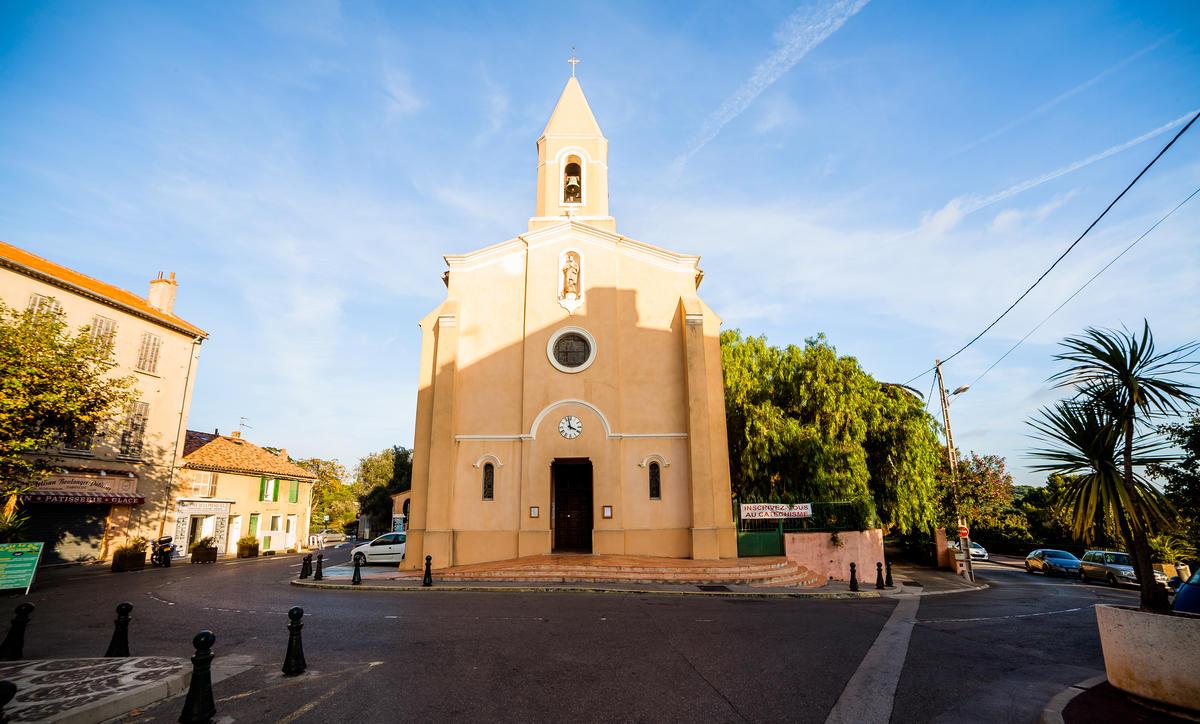 Place St Pierre à Giens