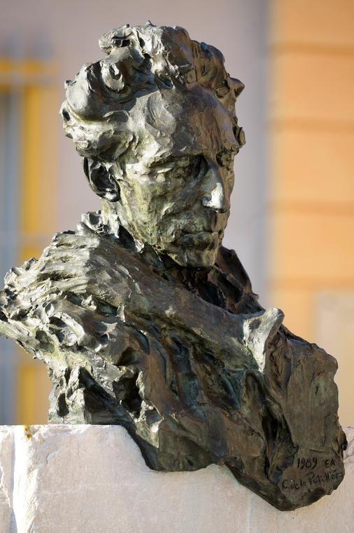 Buste de Jean Costeau