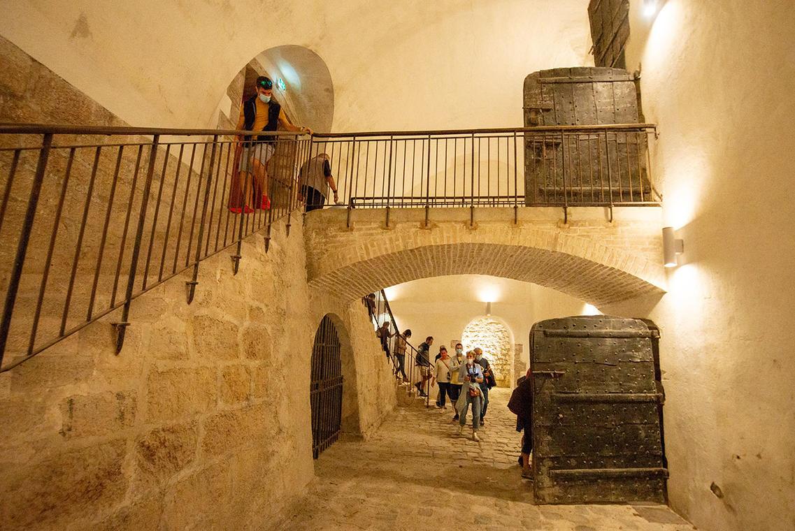 Visite des fortifications, souterrain et anciens bâtiments militaires