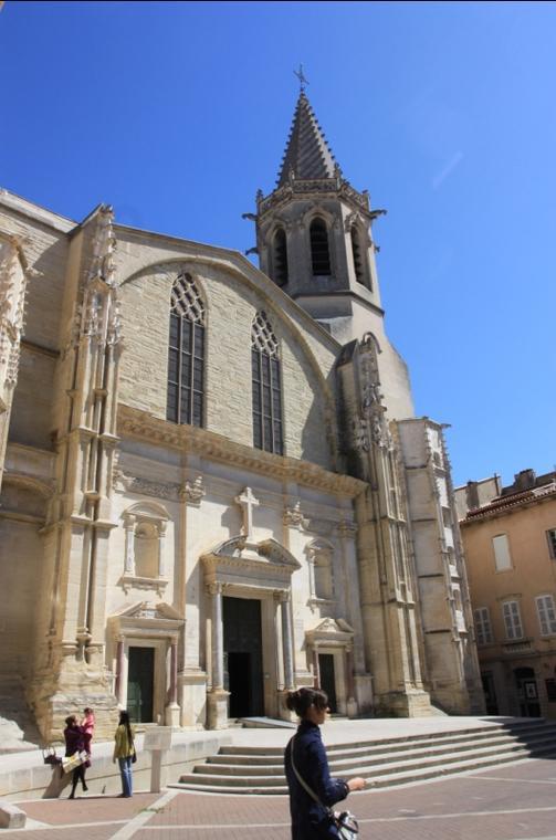 carpentras-cathedrale-stsiffrein-adt84