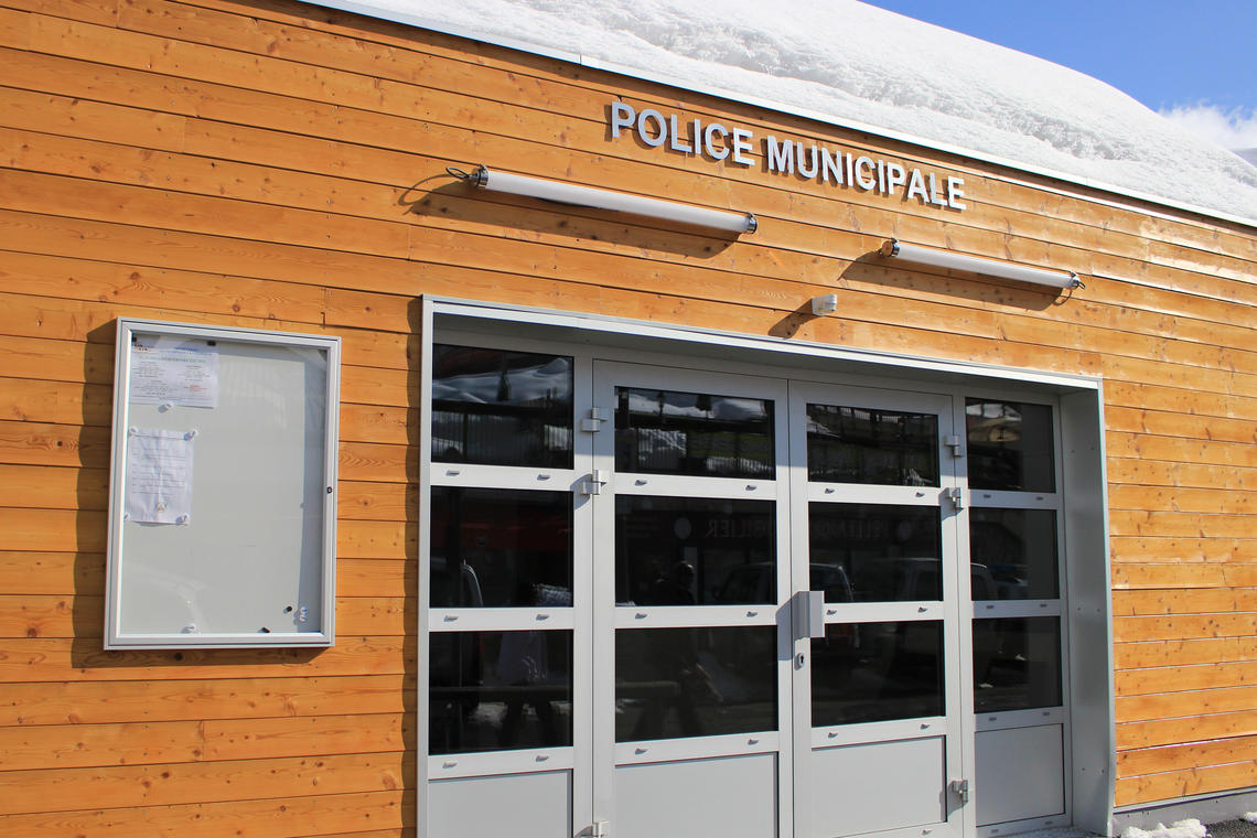 Police municipale à Orcières Merlette 1850