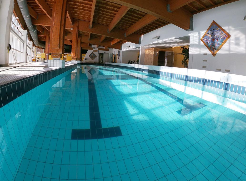 val-cenis-lanslevillard-palmes-piscine