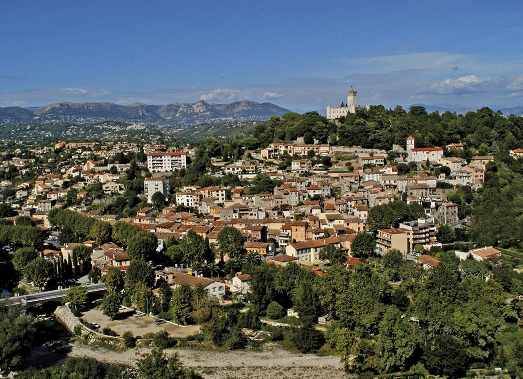 Villeneuve-Loubet village