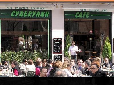 CyberYann Café Marseille.jpg