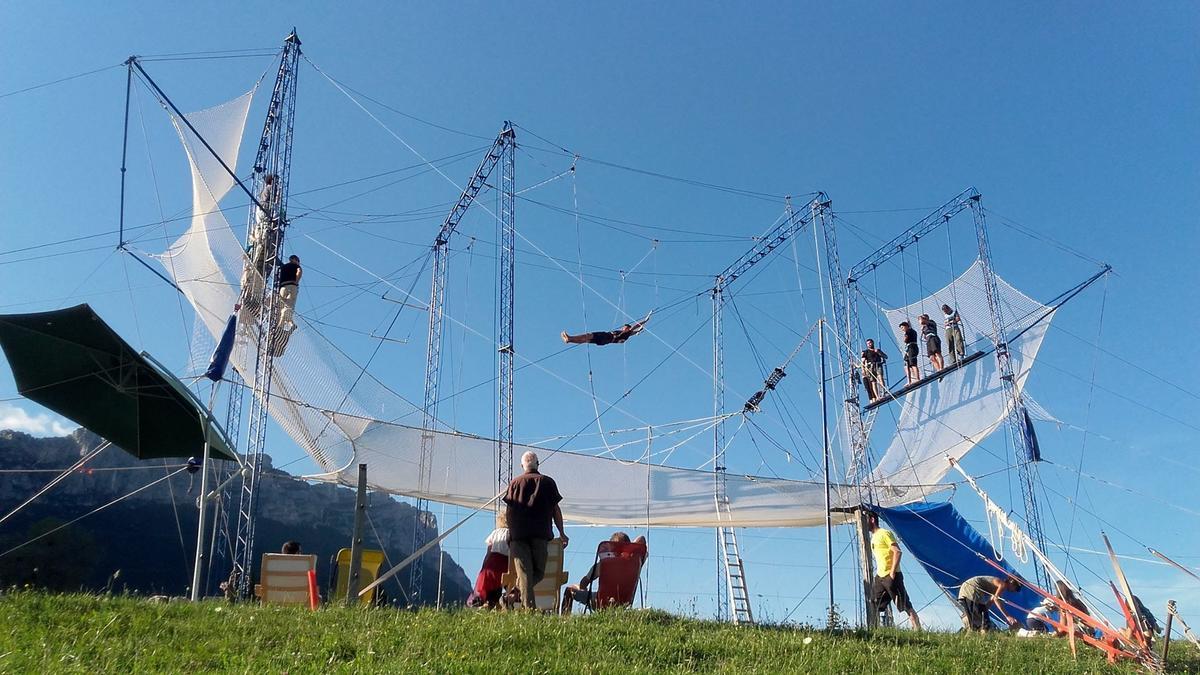 La structure de trapèze volant