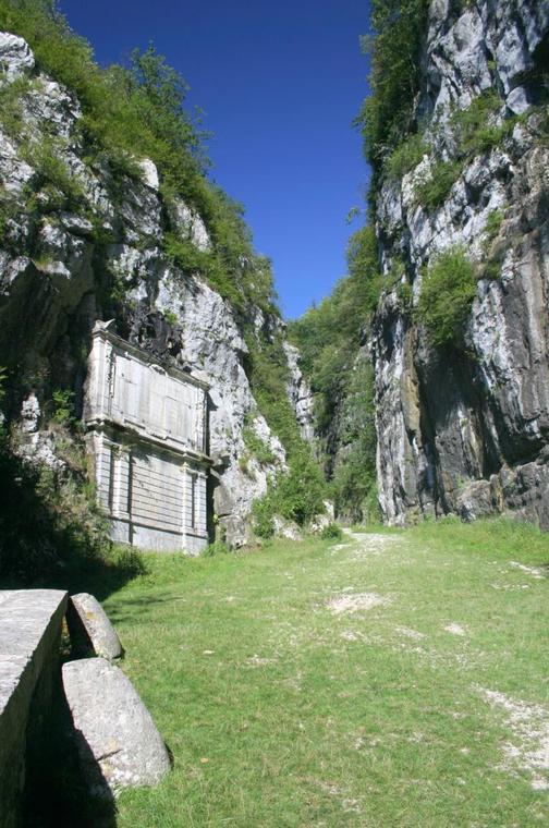 Monument charle Emmanuel II - St Christophe la Grotte