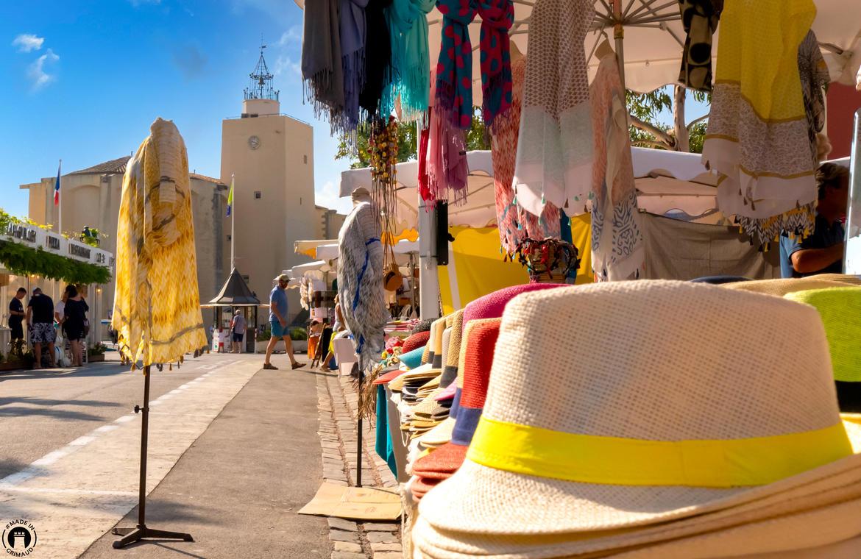 Marché provençal à Port Grimaud