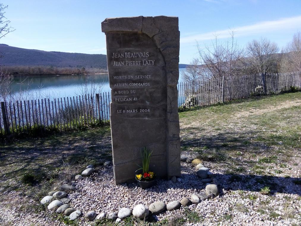 Stèle canadair Pélican 41