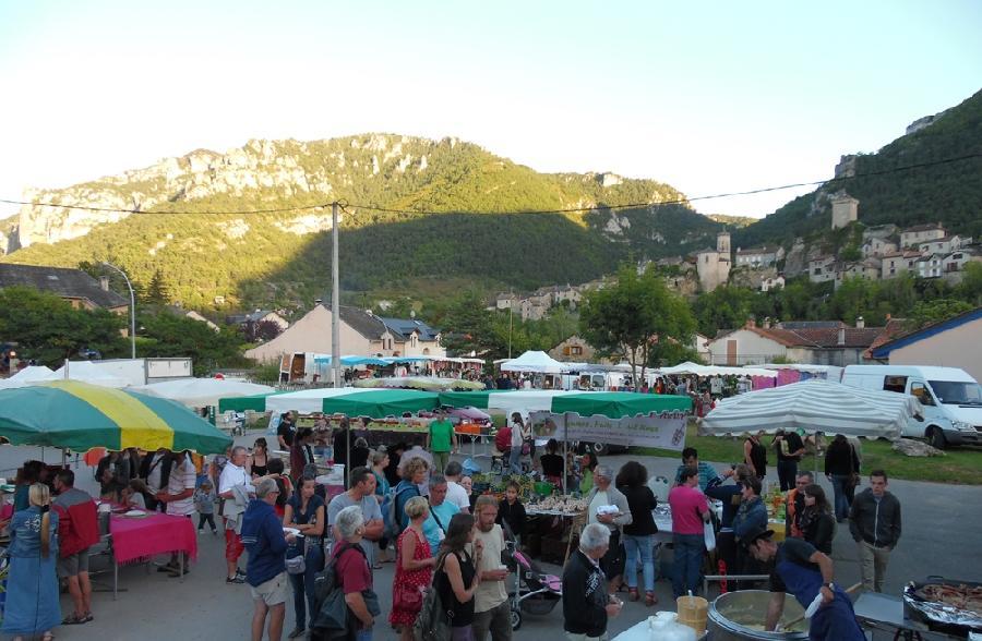 marché nocturne Le Rozier