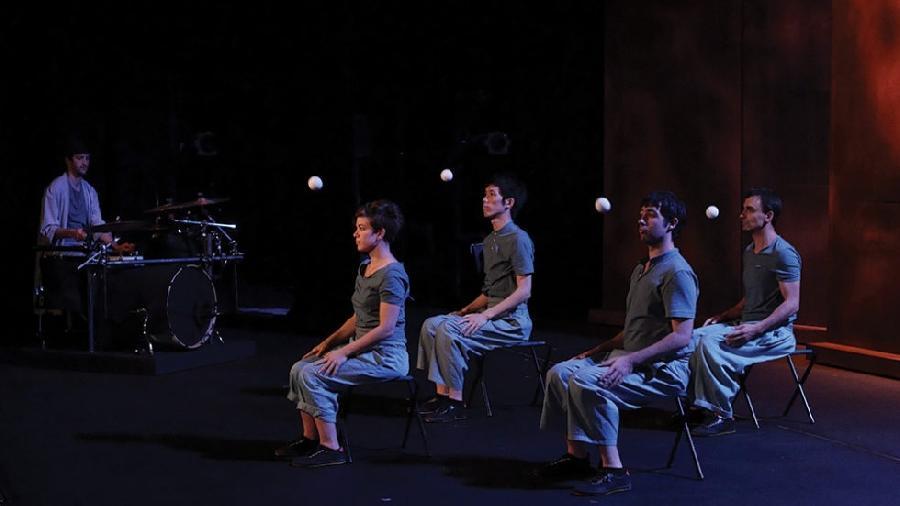 Cirque : Encore la vie