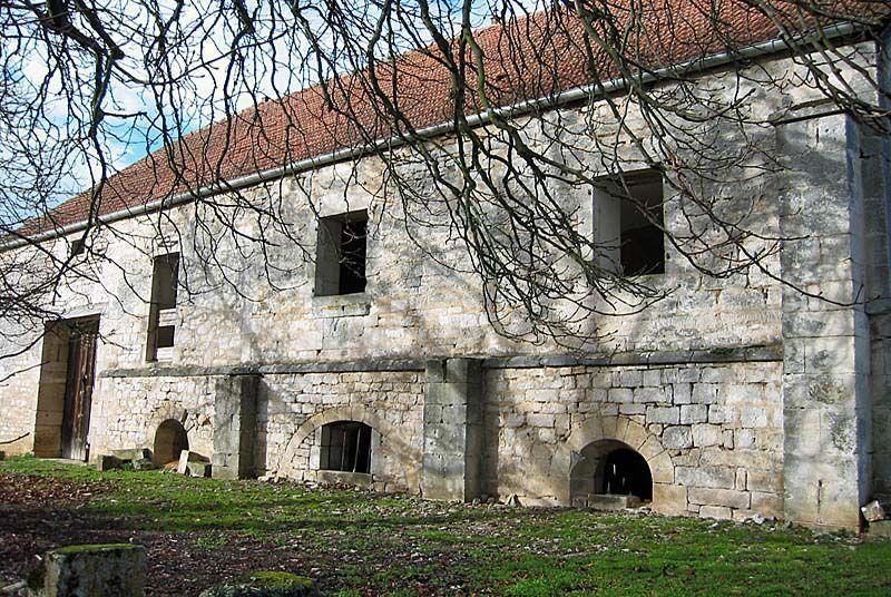 champagne 52 patrimoine religieux abbaye de mormant grange 06 angelique roze.