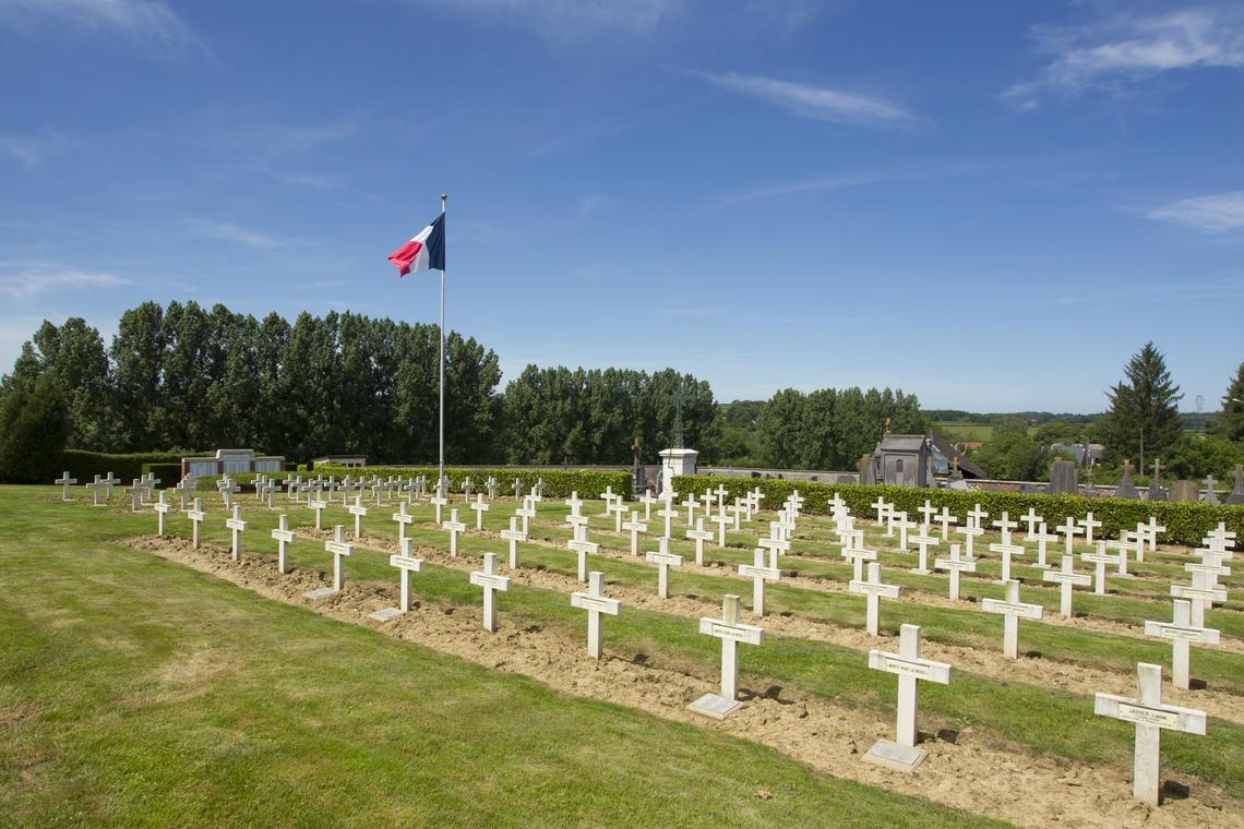 Cimetière d'Effry < Vue d'ensemble < guerre 14-18 < WW1 < Effry < Aisne < Picardie