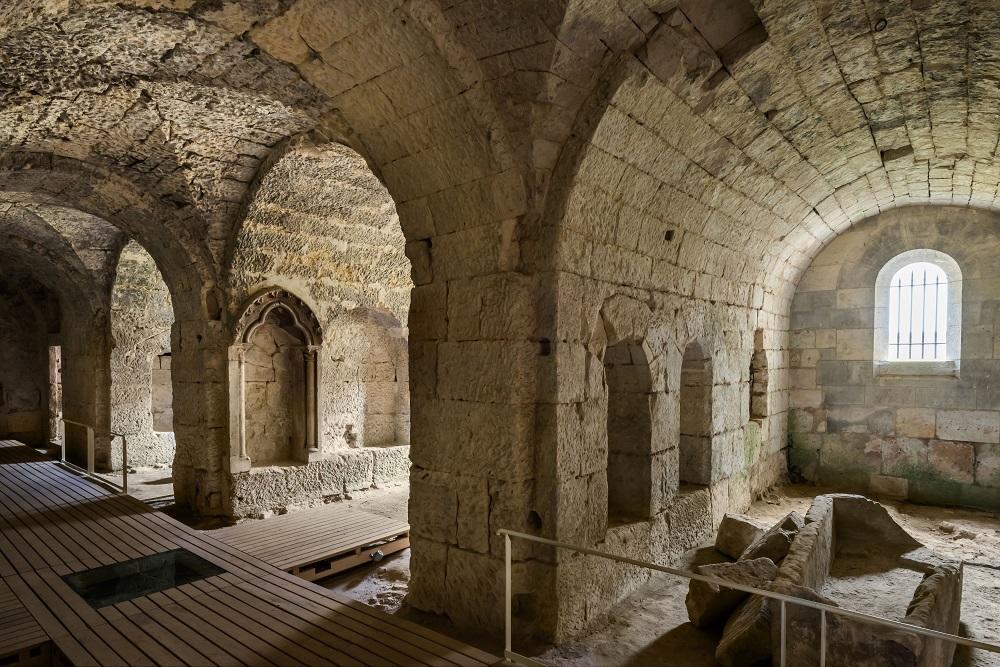 La crypte Saint-Médard < Soissons < Aisne