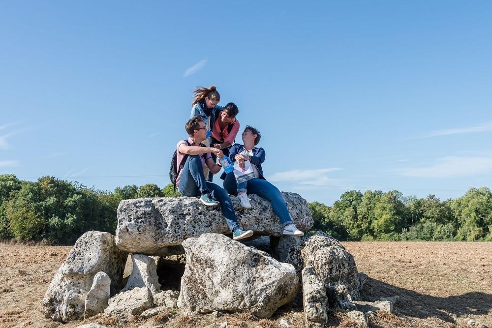 Dolmen de Vauxrezis < Vauxrezis < Aisne
