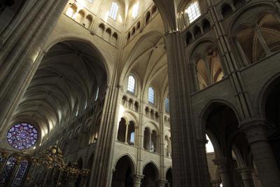 Cathédrale nef intérieure < Laon < Aisne < Picardie