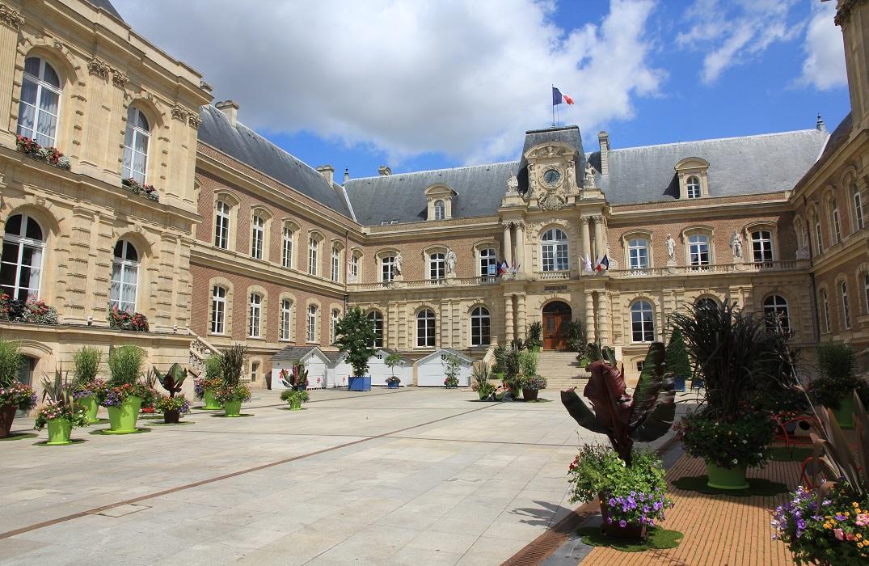 HôteldeVille Amiens redim 1075 © Samuel Crampon