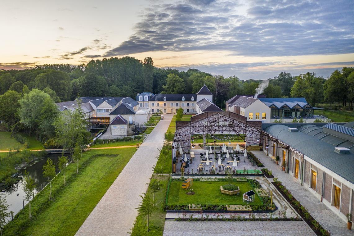 Hyatt-Regency-Chantilly-Aerial-view-6