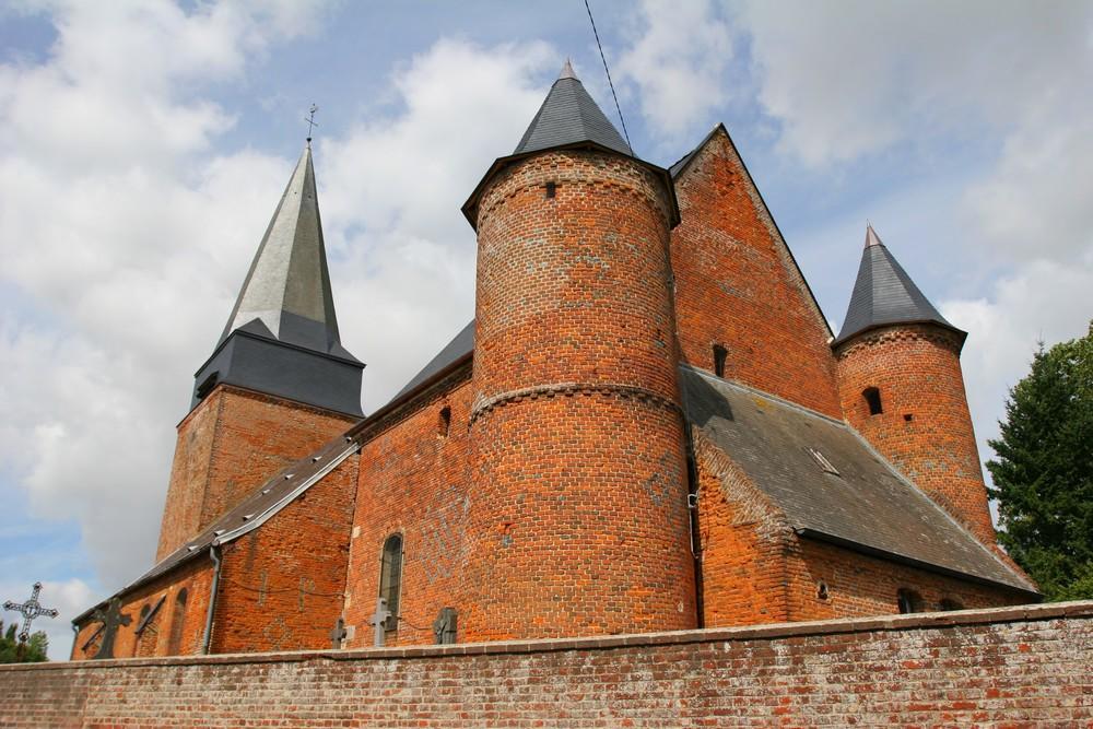 Eglise fortifiée < Lavaqueresse < Thiéraceh < Aisne < Hauts de France