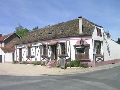 Restaurant Au Plaisir des Mets_extérieur < Bruyères-et-Montbérault < Aisne < Picardie